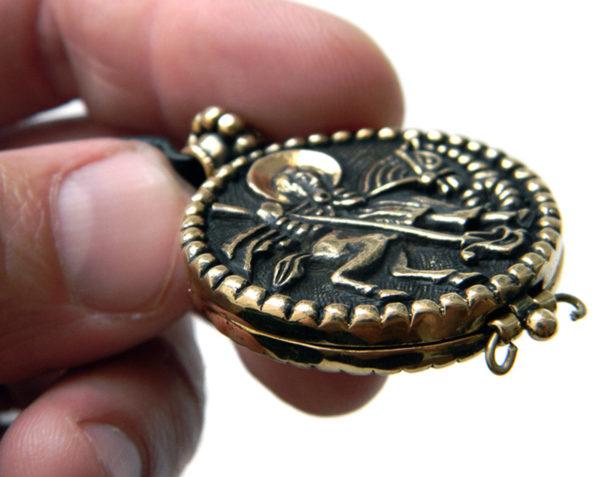 змеевик реликварий энколпион Св. Георгий Победоносец бронзовый кулон купить в крыму христианские украшения