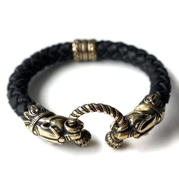 купить черный кожаный браслет с ягуарами украшение идеи подарков на новый год