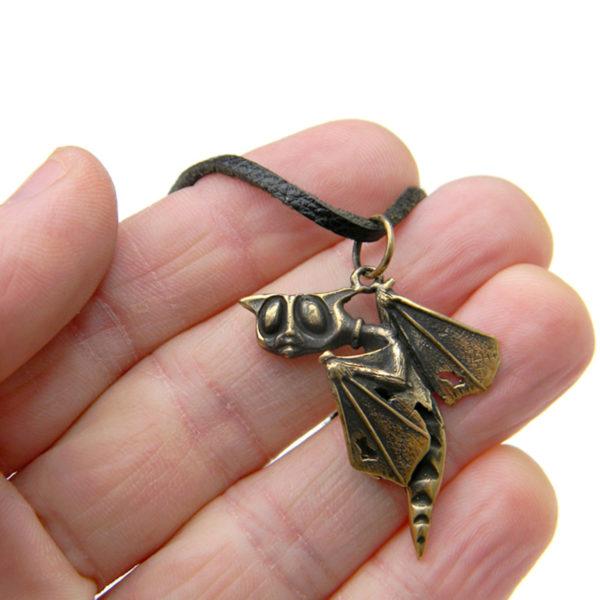 что привезти из крыма бронзовый кулон кот с крыльями