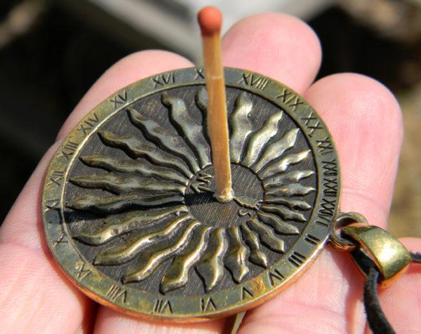 купить интересный подарок бронзовые украшения медальоны оптом симферополь