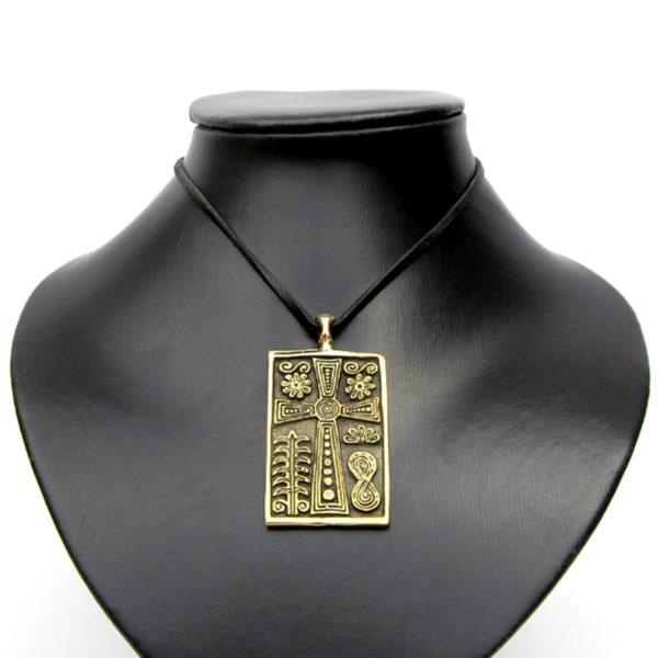крест с растительным орнаментом купить в крыму подарок из крыма
