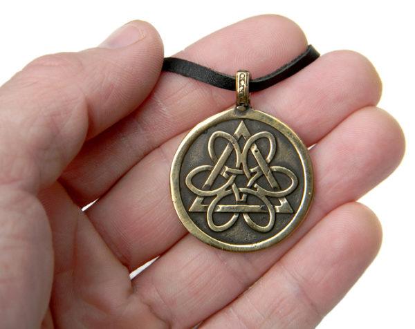 купить украшения в кельтском стиле амулет из бронзы колесо жизни