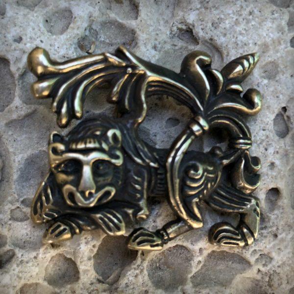 что подарить льву бронзовый кулон лев славянский оберег купить оптом в симферополе