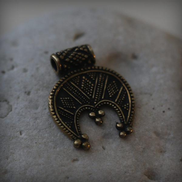 Купить бронзовый талисман трехрогая лунница женский оберег