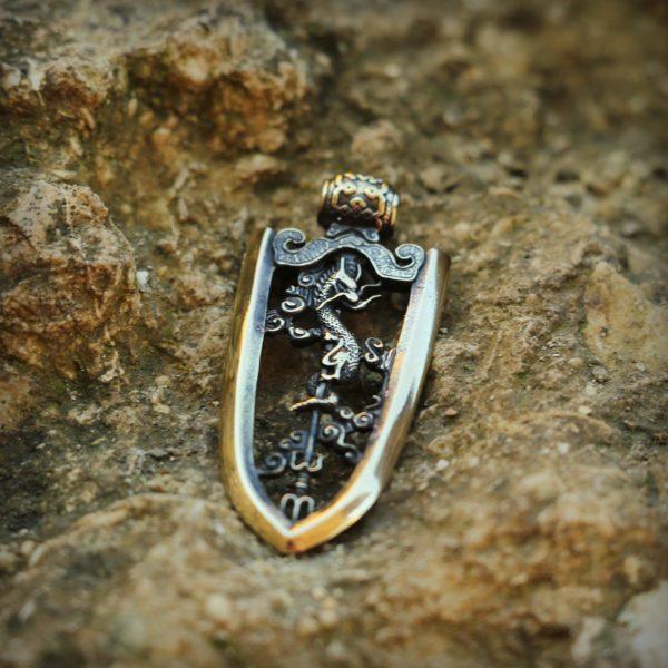 что привезти из крыма в подарок бронзовый кулон наконечник стрелы японский ядзири купить в симферополе