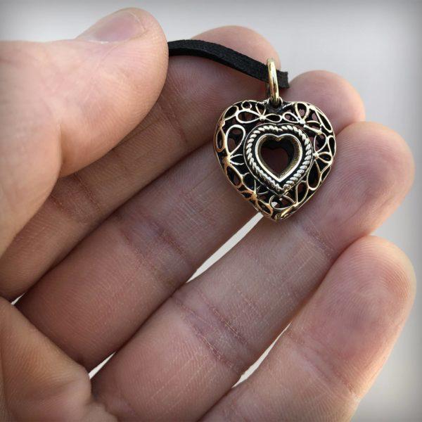 сердце бронзовый кулон подвеска на шею сердце купить в симферополе