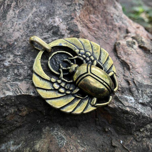 египетские украшения скарабей кулон купить оптом в интернет магазине солярный амулет солнце