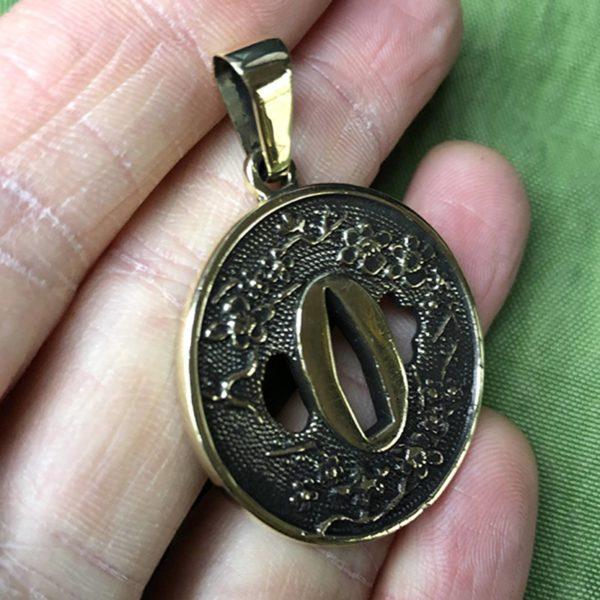 Цуба с сакурой бронзовый кулон мужской купить в симферополе