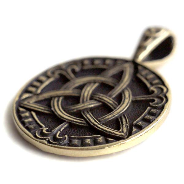 купить кельтские амулеты и обереги трикветр привезти из крыма в подарок