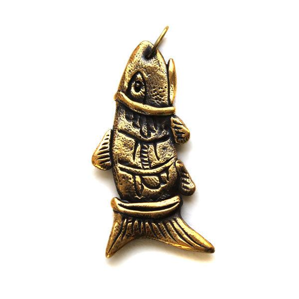 купить крупную подвеску из бронзы в виде рыбешки
