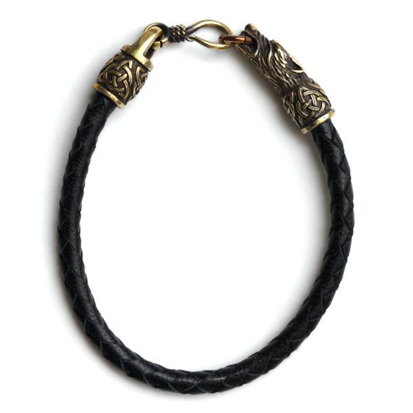 Купить необычный браслет из кожи ручной работы с волками