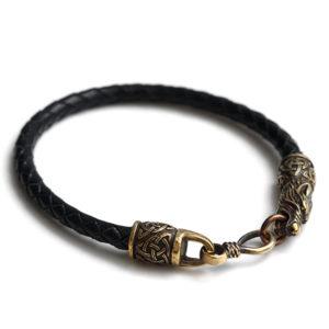 Купить черный кожаный браслет ручной работы с головами волка