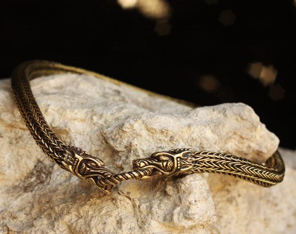 ожерелья для мужчин из металла купить в симферополе
