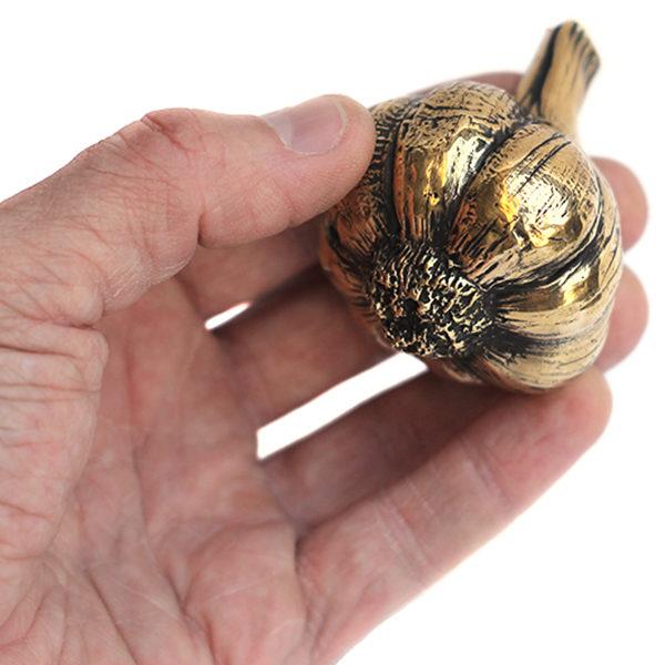 Фигурка в виде чеснока эксклюзивные подарки купить недорого в интернет магазине с наложенным