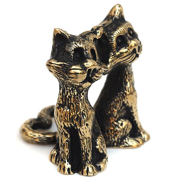 Купить подарок женщине на 14 февраля небольшие фигурки кошек в симферополе магазин