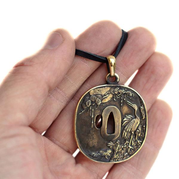 подвеска цуба купить японские украшения купить бронзовый кулон цуба журавль подвеска
