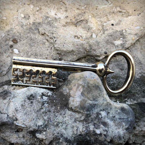 бронзовый ключ интерьерное украшение купить в крыму оптом