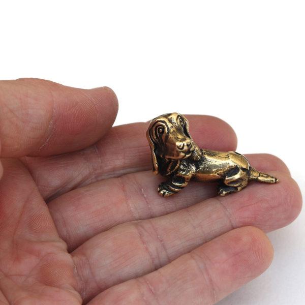 бронзовая фигурка собака бассет-хаунд