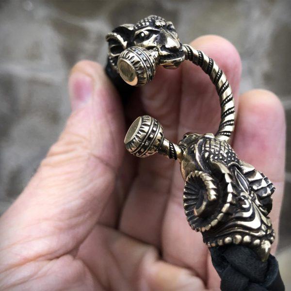 кожаное ожерелье чокер с баранами подарок овнам