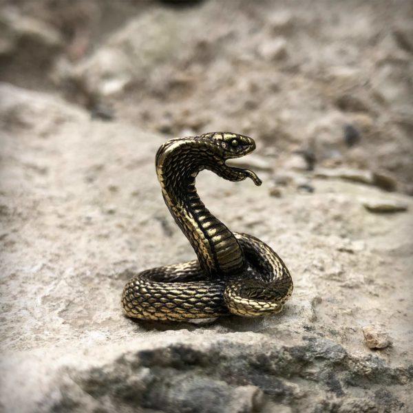 что привезти из крыма бронзовая статуэтка кобра змея статуэтка