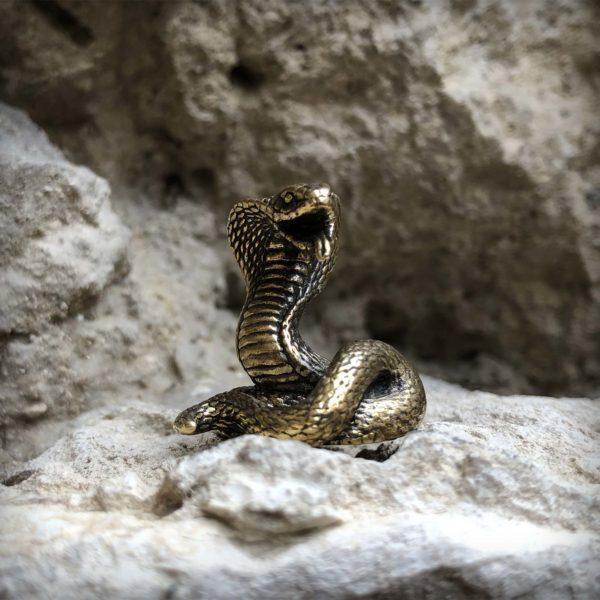 купить подарок в симферополе бронзовые украшения кобра статуэтка змея