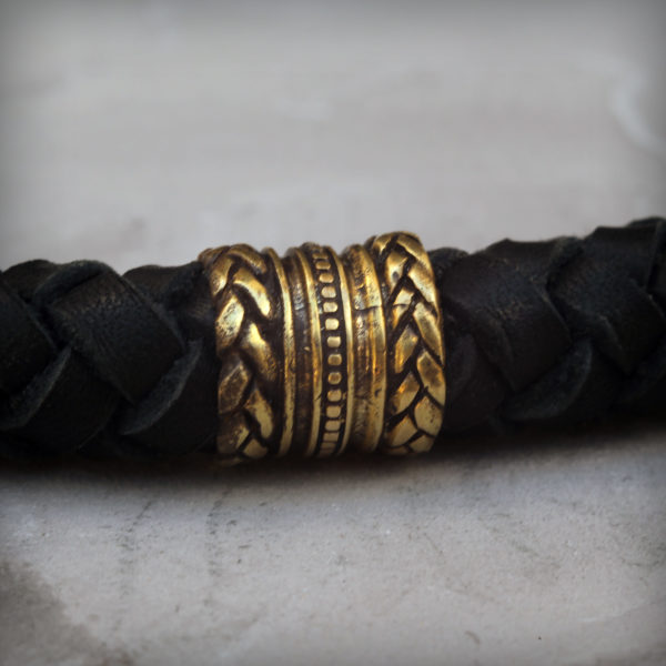 чёрный кожаный браслет с головами волка купить в симферополе оптом волк тотемный браслет