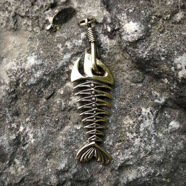 что привезти из крыма в подарок бронзовый кулон рыба украшения бронзленд