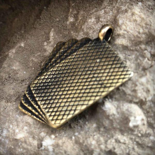 каре амулет на удачу кулон четыре туза бронзовые украшения купить оптом и в розницу интернет магазин бронзленд bronzeland