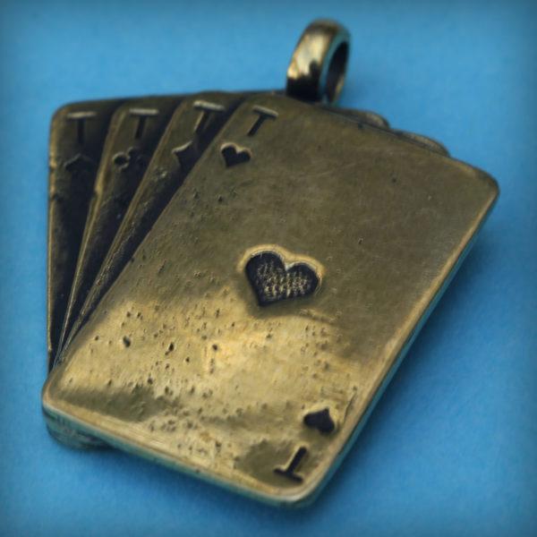 подарок азартному кулон четыре туза подвеска для азартного купить в интернет магазине bronzeland бронзленд оптом и в розницу бронзовые украшения купить в крыму